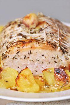 Roti de porc au lait (Roti de porc ficelé, pommes de terre, lait, ail, huile d'olive, thym)