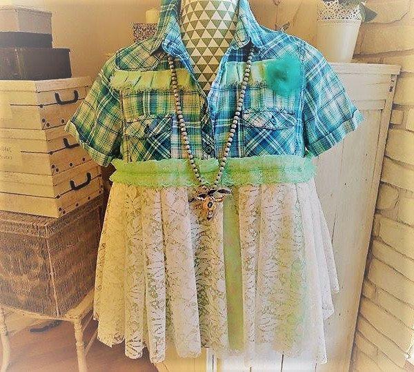 Top chemise style bohème, à carreaux vert menthe et bleu turquoise, dentelle blanche. Style Stevie Nicks hippie gypsy romantique. de la boutique PinkWaterShop sur Etsy