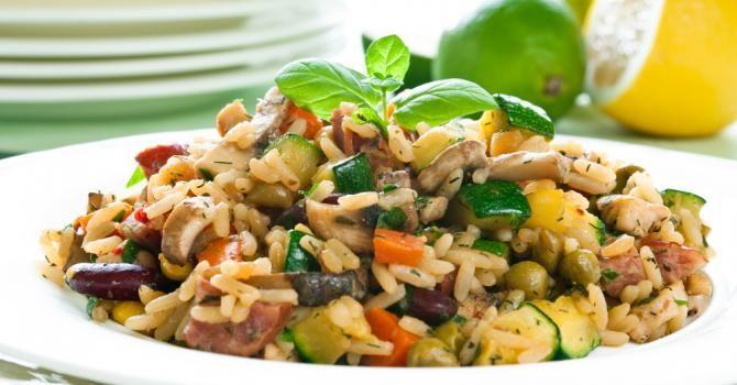 Recette de Risotto simple aux légumes. Facile et rapide à réaliser, goûteuse et diététique. Ingrédients, préparation et recettes associées.