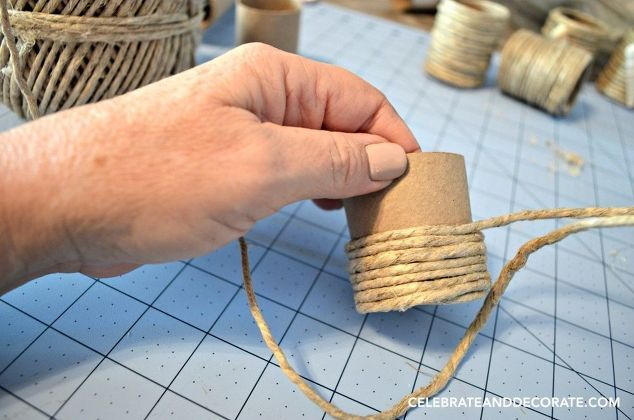 Turn Toilet Paper Rolls into Beachy Napkin Rings