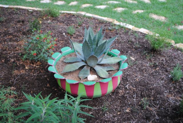 Best 25 painted tires ideas on pinterest tyres recycle for Car tire flower planter