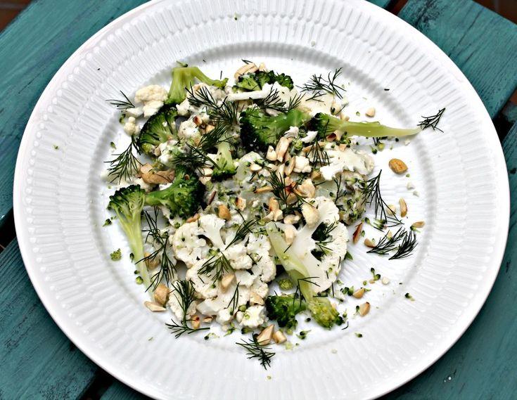 salat med blomkål og broccoli