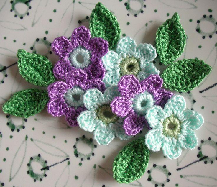 6 Crochet Flowers + 6 leaves Handmade Crochet Appliques, Crochet Flowers in Aqua and Lilac + 6 green leaves -set of 12 di IaiaHobbyCrochet su Etsy