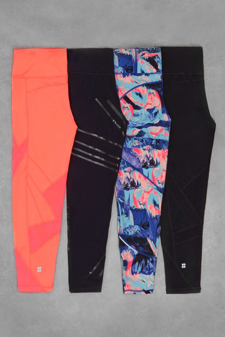 From bold printed lava print to patriotic union jack print, the Power leggings are a must-have for achieving statement workout style.