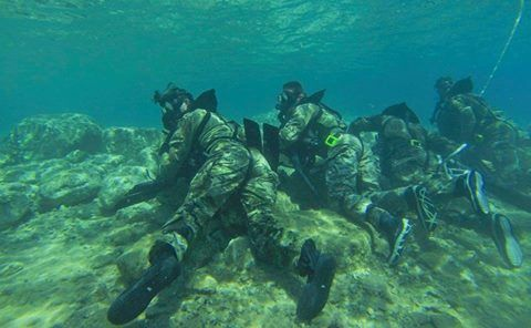 #3rdSpecialForcesGroupAirborne   .....Green Berets from 3rd Special Forces Group (Airborne) and Marines from Marine Special Operations Command crawl across the Red Sea floor on a closed circuit dive during Eager Lion 2015 in Jordan. (U.S. Army photo by Sgt. Edward French IV)