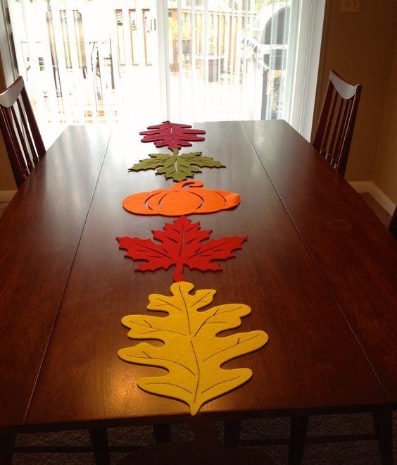 Caminos de mesa de fieltro para otoño con forma de hojas 3