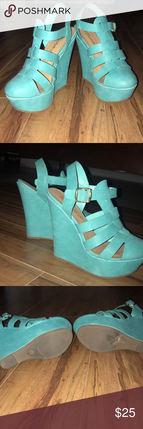 Breckelle's brand turquoise wedges Flirty turquoise wedges Breckelles Shoes Wedges
