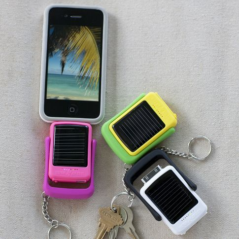 solar powered charger for iPhone - definitely getting when I get an iPhone!Charging Keychains, Power Chargers, Keychains Chargers, Power Iphone, Solar Panels, Battery Pack, Power Charging, Solar Power, Pb Teen