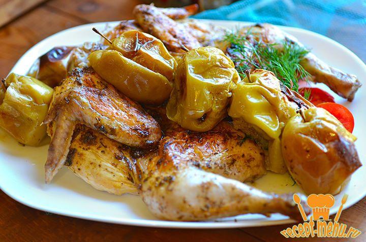 Мой коронный рецепт, всегда восхищает гостей своим аппетитным видом и утонченным вкусом курица с яблоками в духовке. А готовить ее всего 5 минут. Не удивляйтесь