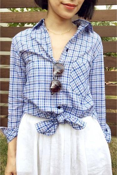 コットンリネン チェックシャツ  コットンリネン チェックシャツ 17280 薄手ながらもコットンリネンの張り感が綺麗な素材でシャツを作りました どこかビンテージの雰囲気を持つチェック柄 裾をラフに前で縛って着るアレンジもお勧めです デニムに合わせて気負わないデイリースタイルに是非 店頭外での撮影画像は光の当たり具合で色味が違って見える場合があります 商品の色味はスタジオ撮影の画像をご参照ください グレーネイビー着用スタッフ身長:165cm 着用サイズ:フリー モデルサイズ:身長:166cm バスト:80cm ウェスト:58cm ヒップ:82cm 着用サイズ:フリー