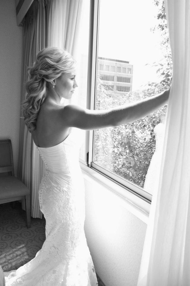 Thin (Tall or Short) You are have a narrow shape throughout Your Best Wedding Dress Fit - Silhouette: Mermaid, A-line, Ball Gown - Neckline: V-Neck, Sweetheart, Halter