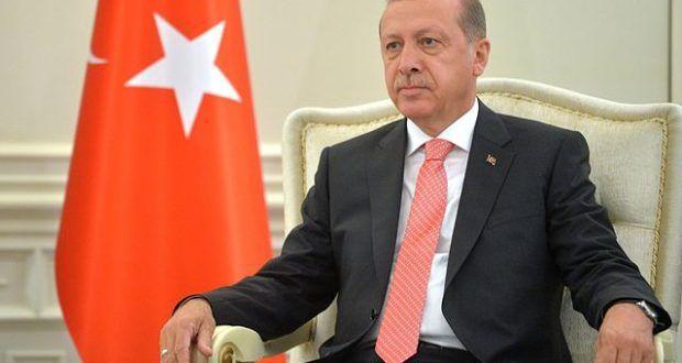 <p> <strong>Wie lange wird es noch dauern, bis sich Präsident Erdogan zum Sultan eines neuen Osmanischen Reiches ausrufen wird? Angesichts der bi ...