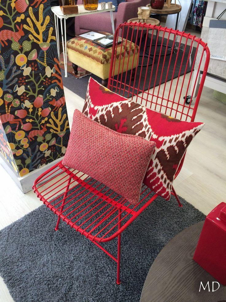 Sillas de aluminio pensadas para momentos de relax al aire libre o en el interior, con modelos actuales que destacan por la frescura de sus lineas #MDLolaHerrán #Sevilla #decoración #interiorismo #asesoramiento #mobiliario #sillas #cojines #papelpintado #alfombras