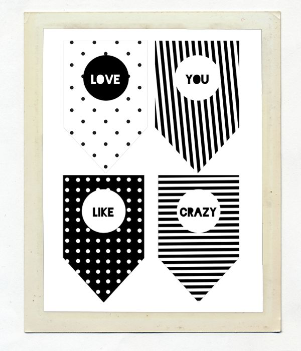 "Бумажная гирлянда ""I (We) love you like crazy"""