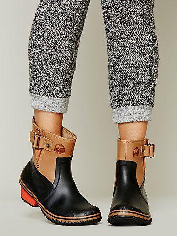 Sorel via Free People. #sorel #winter #boots