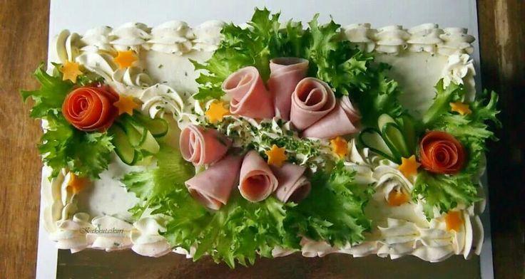 Sandwich cake with ham