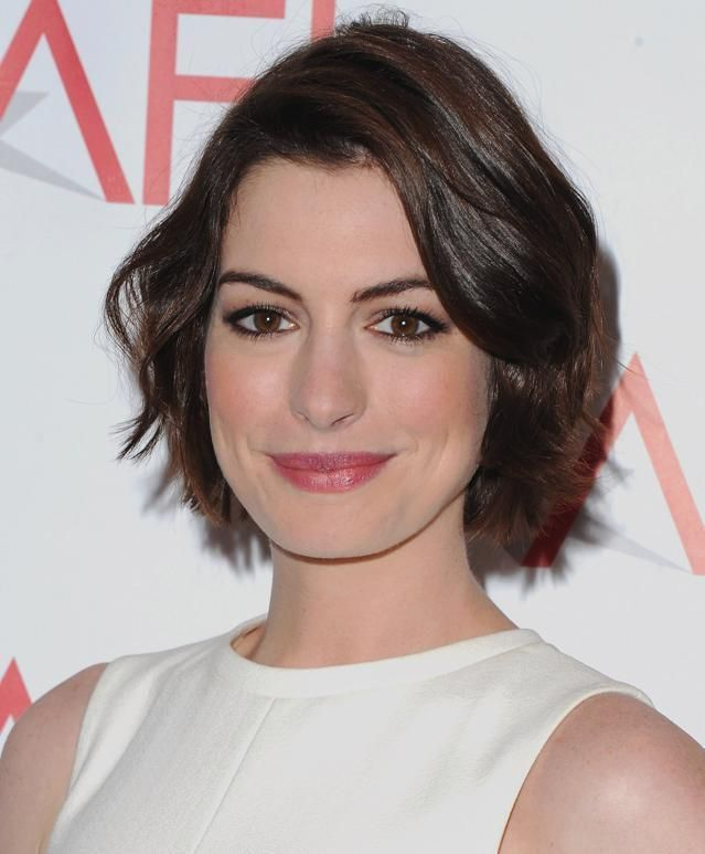 25 Best Memes About Anne Hathaway: Best 25+ Anne Hathaway Haircut Ideas On Pinterest