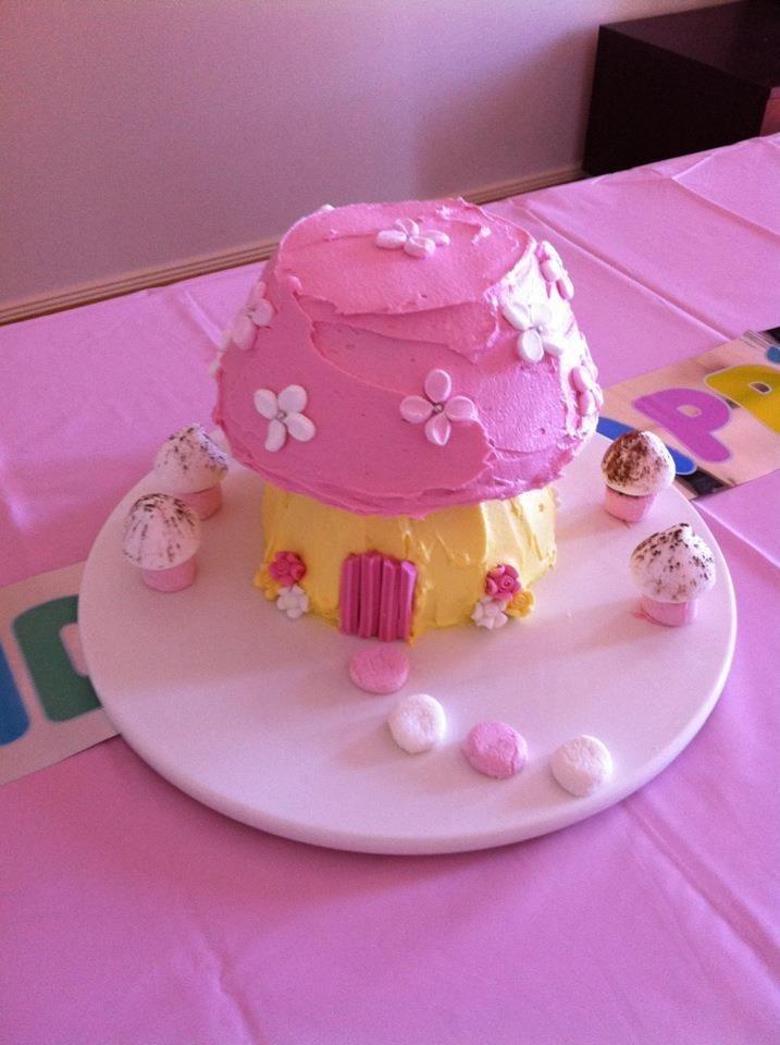 M's first birthday cake