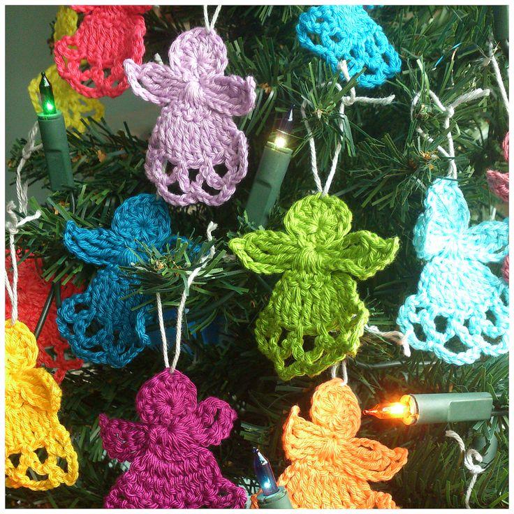 Sehr schöner und interessanter Blog, Weihnachskugeln, schöne Patches aus Dreiecken und Sternen atty's: Crochet Christmas Angels free