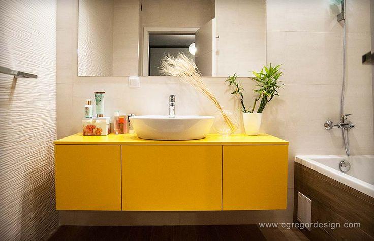 amenajare si mobilare apartament cu doua camere corp suspendat mobilier baie mdf vopsit galben lucios egregor design cluj