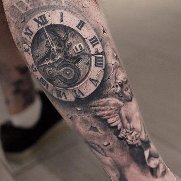 Zeit ist Geld,kostbarundheilt alle Wunden. So sagt man. Unser ganzes Leben richtet sich nach festen Uhrzeiten. Der morgendliche Wecker macht dabei den Anfang.Viele Menschen tragen gar keine Uhr mehr amArmgelenk, dafür vielleicht eher als Körperkunst a
