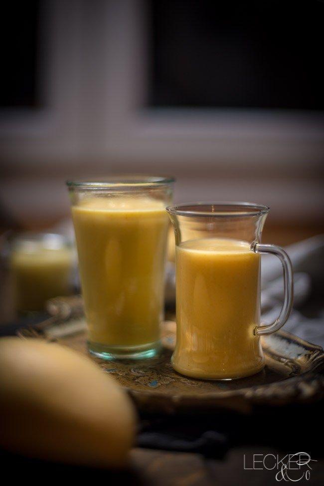 Den Mango Lassi könnt ihr aus nur 3 Zutaten zubereiten. Zu scharfen Curries oder Fleischspießen passt er dann besonders gut und milder die Schärfe etwas ab.