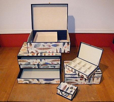 http://www.papier-royaal.nl/t/1/p/categorie/i/143/handgemaakte_dozen.html