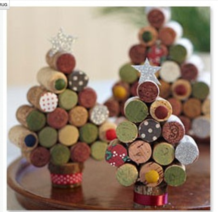 Kerstboom gemaakt van kurk.