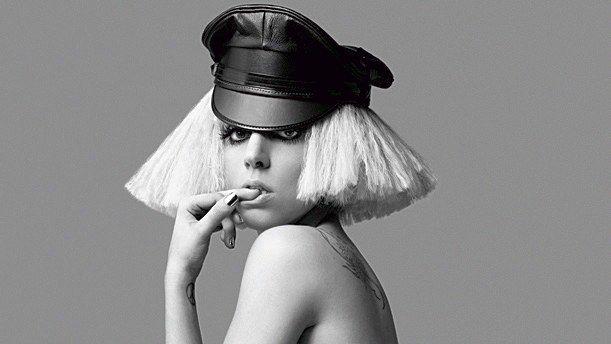 Lady Gaga lässt sich absichtlich ankotzen!