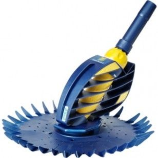 A proven pool cleaning workhorse with its robust design, the Zodiac G2 Suction Pool Cleaner is a highly efficient suction cleaner with great manoeuvrability.