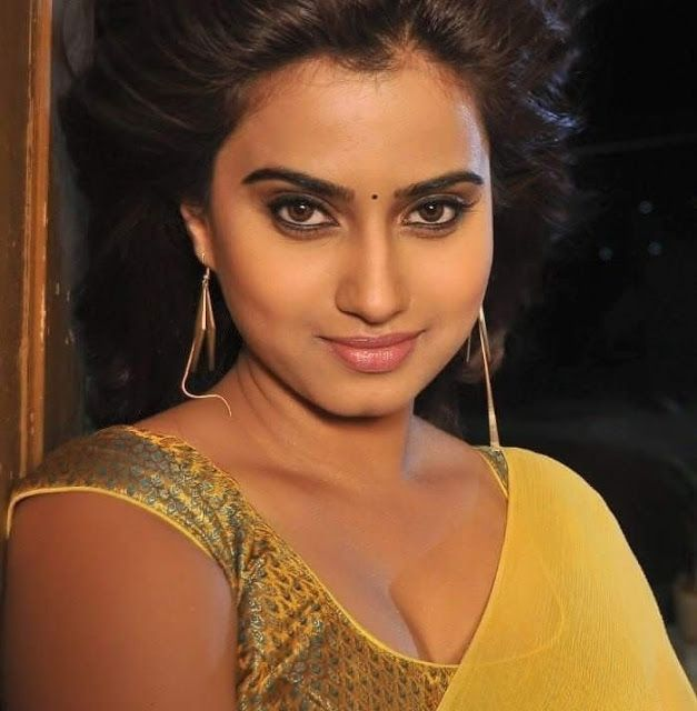 Welcome to Cinema World. Visit here for more sexy Actress Stills and Hot Videos for my followers . Follow my page and get more pictures.