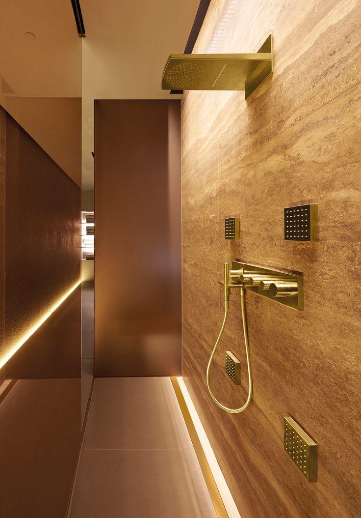 http://www.stylepark.com/de/architektur/patricia-urquiola-badet-mit-gold/356033