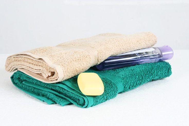 Limpieza e higiene personal. La limpieza personal y las buenas prácticas de higiene son esenciales para la salud y por razones sociales. Las personas que se ven sucias a menudo son excluidas por los otros. Los hábitos saludables de higiene se deben practicar a diario. Es importante que los padres ...