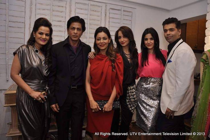 Bollywood ready for Christmas!! Shah rukh khan, Karan, Gauri at Suzzane Khan's launch