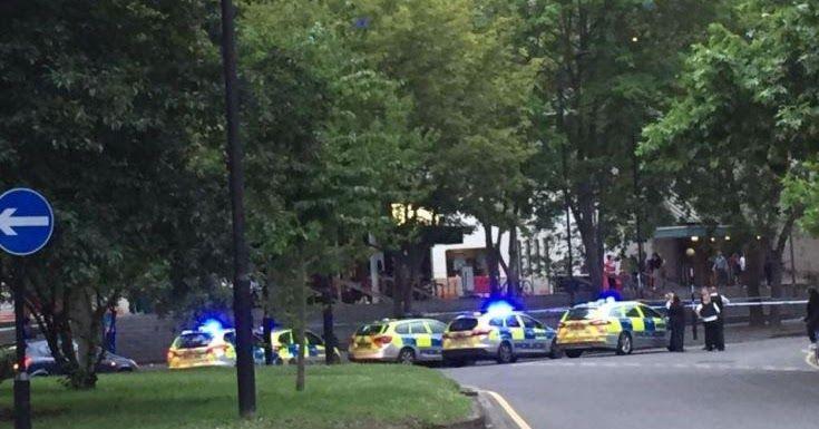Επίθεση με μαχαίρια σε πλατεία στο Λονδίνο