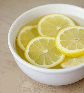 mettez les tranches de citron dans un bol
