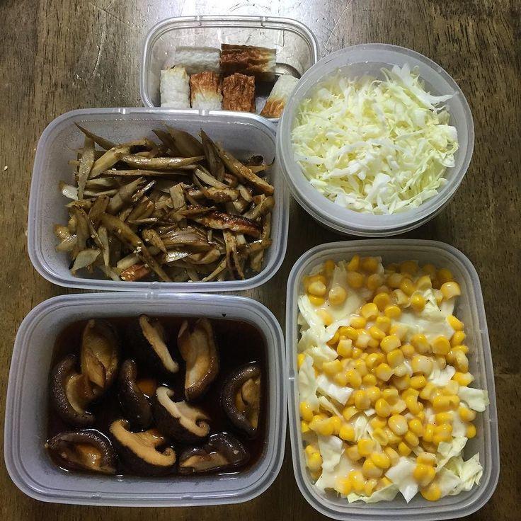 常備菜 ちくわ切っただけ キャベツ千切り 牛蒡とちくわのソース炒め しいたけの生姜醤油 キャベツとコーンのコールスロー  #手作り #常備菜 #作り置き