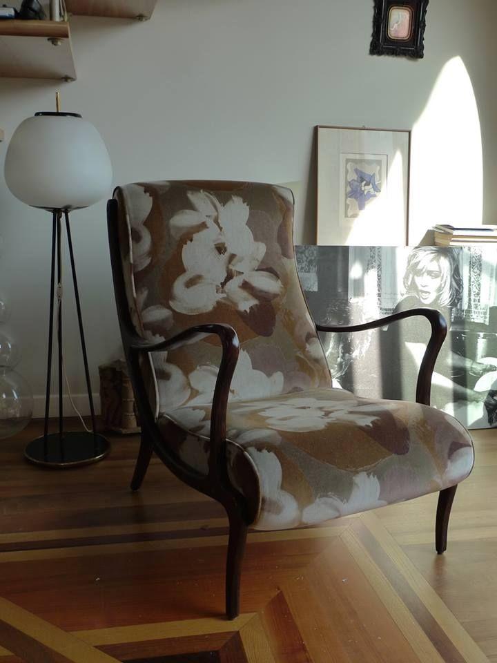 Su tessuti.online c'è un'ampia scelta di tessuti in tinta unita per rivestire il tuo divano o la tua poltrona secondo i tuoi gusti e le tue preferenze. Restauro E Nuovo Rivestimento Poltroncina Di Modernariato Anni 50 Tappezzeria Divani Tende Su Misura