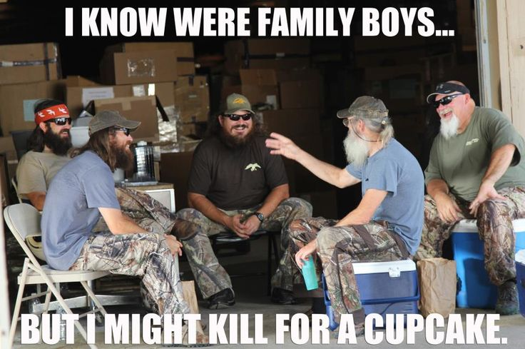 I love Duck Dynasty...so much! swirly whirly cupcakes!