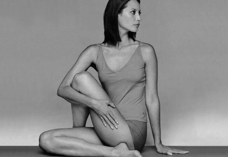 Японские доктора рекомендуют выполнять гимнастику макко-хо тем, кто нуждается в восстановлении после перенесённых травм, кого беспокоят проблемы с позвоночником, суставами, а также людям с заболеваниями мочеполовой системы. Такая гимнастика...