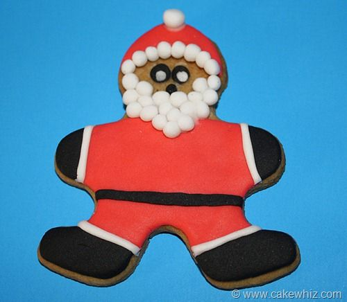 gingerbread santa claus cookie from cakewhiz.com