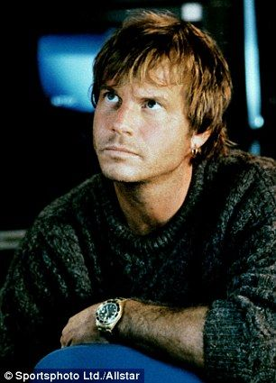 Paxton played the role of Brock Lovett in Titanic the treasure hunter that discovered the Heart of the Ocean necklace in the film