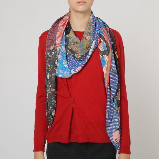 Pañuelo Estampado Con Flores Rojo Y Azul 240x120 cm