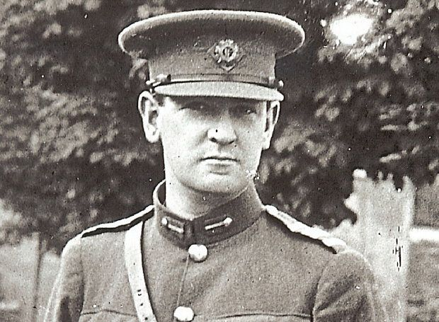 Μάικλ Κόλινς: Ήρωας του Ιρλανδικού Αγώνα της Ανεξαρτησίας και πολιτικός, το «Γελαστό Παιδί» του τραγουδιού του Μίκη Θεοδωράκη.