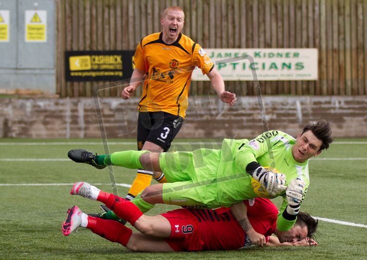 Queen's Park's Chris Duggan challenges for the ball during the SPFL League Two game between Annan Athletic and Queen's Park.