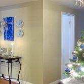 Enfeitando as paredes para o Natal