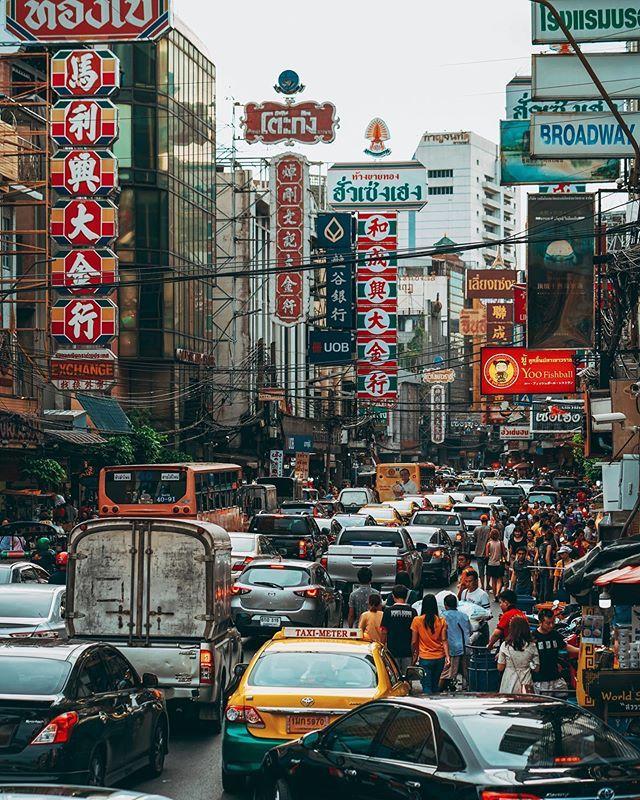 Bustling Street In Chinatown Bangkok Bangkok Thailand Hoangrapherx Chinatownbangkok Bangkok Chinatown Street