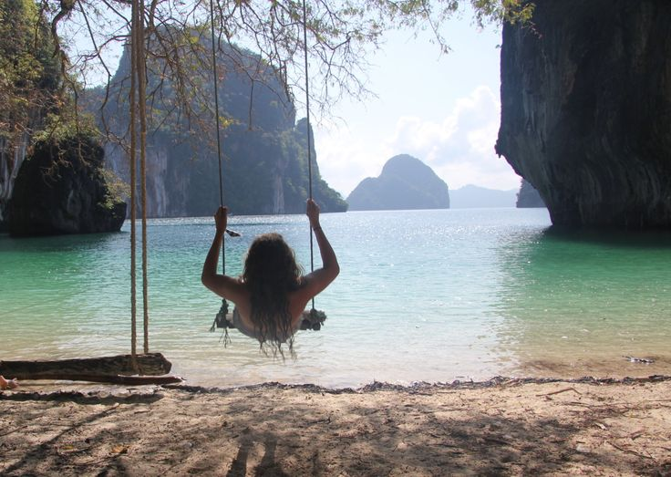 swing into Paradise!: Buckets Lists, Favorite Places, Beaches Life, The Ocean, Funny Photos, Fantasy Islands, Trees Swings, Dreams Life, Heavens