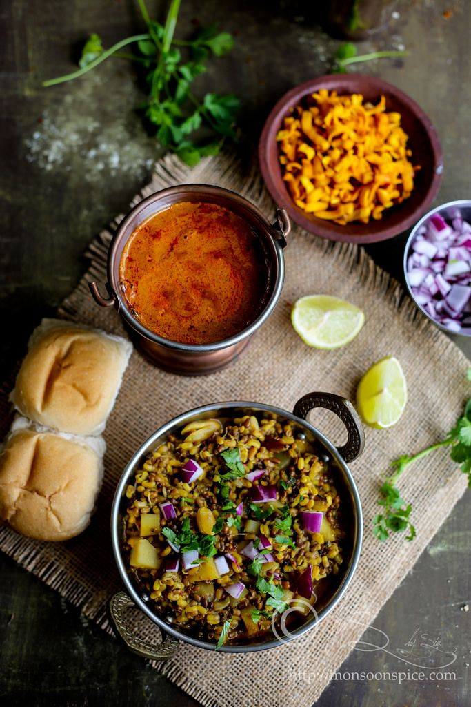 Kolhapuri Usalmisal Recipe With Kat And Kolhapuri Masala