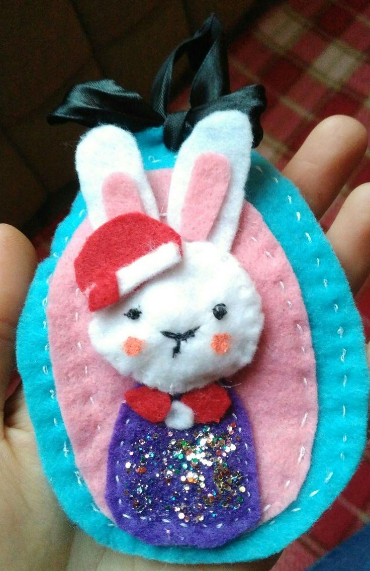 Christmas bunny. Felt ornament.